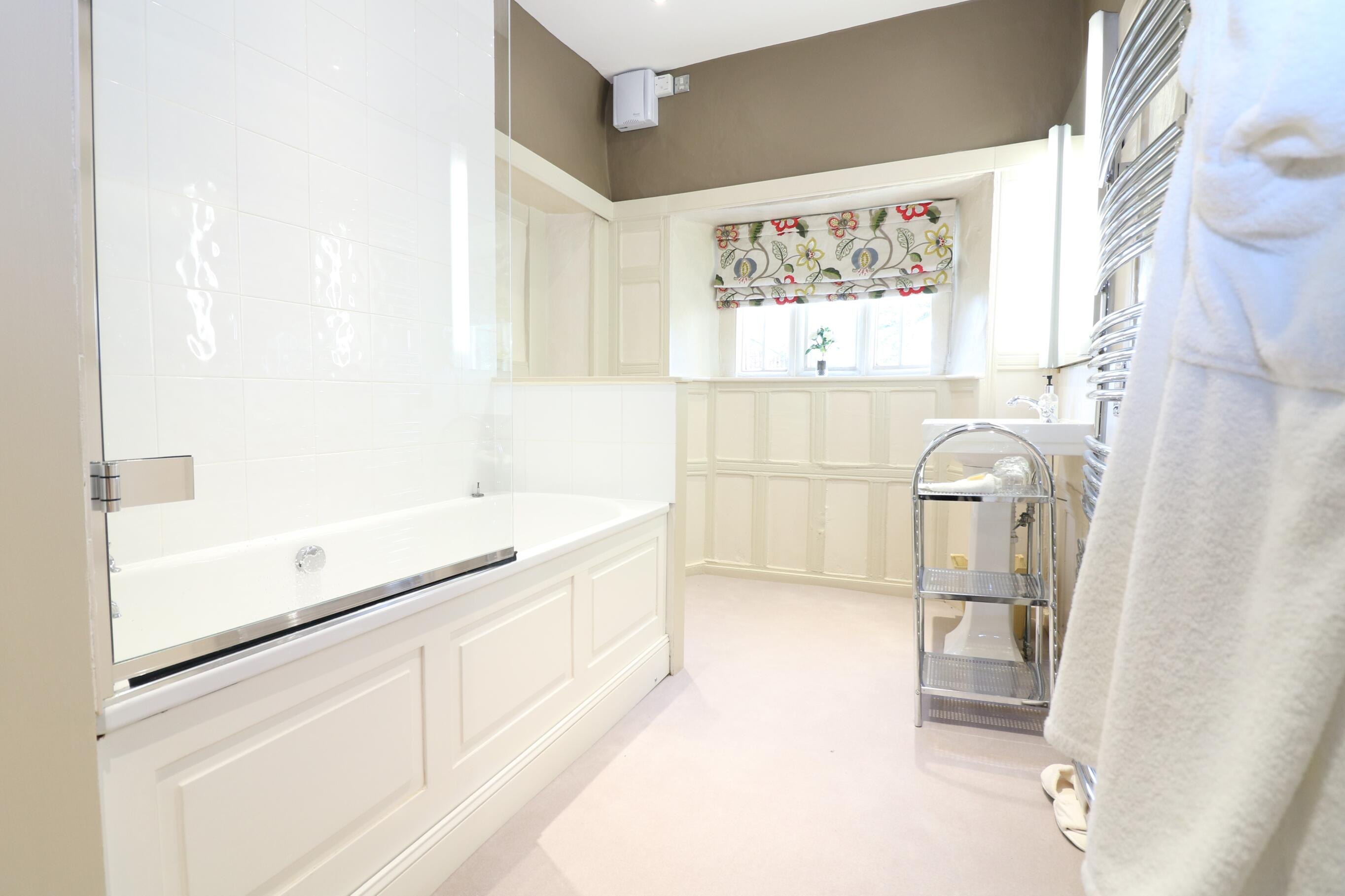 Thornbury en suite