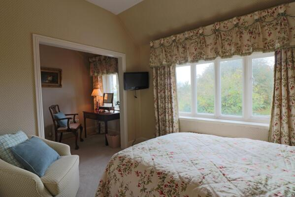 Almondsbury hotel room with view of the garden